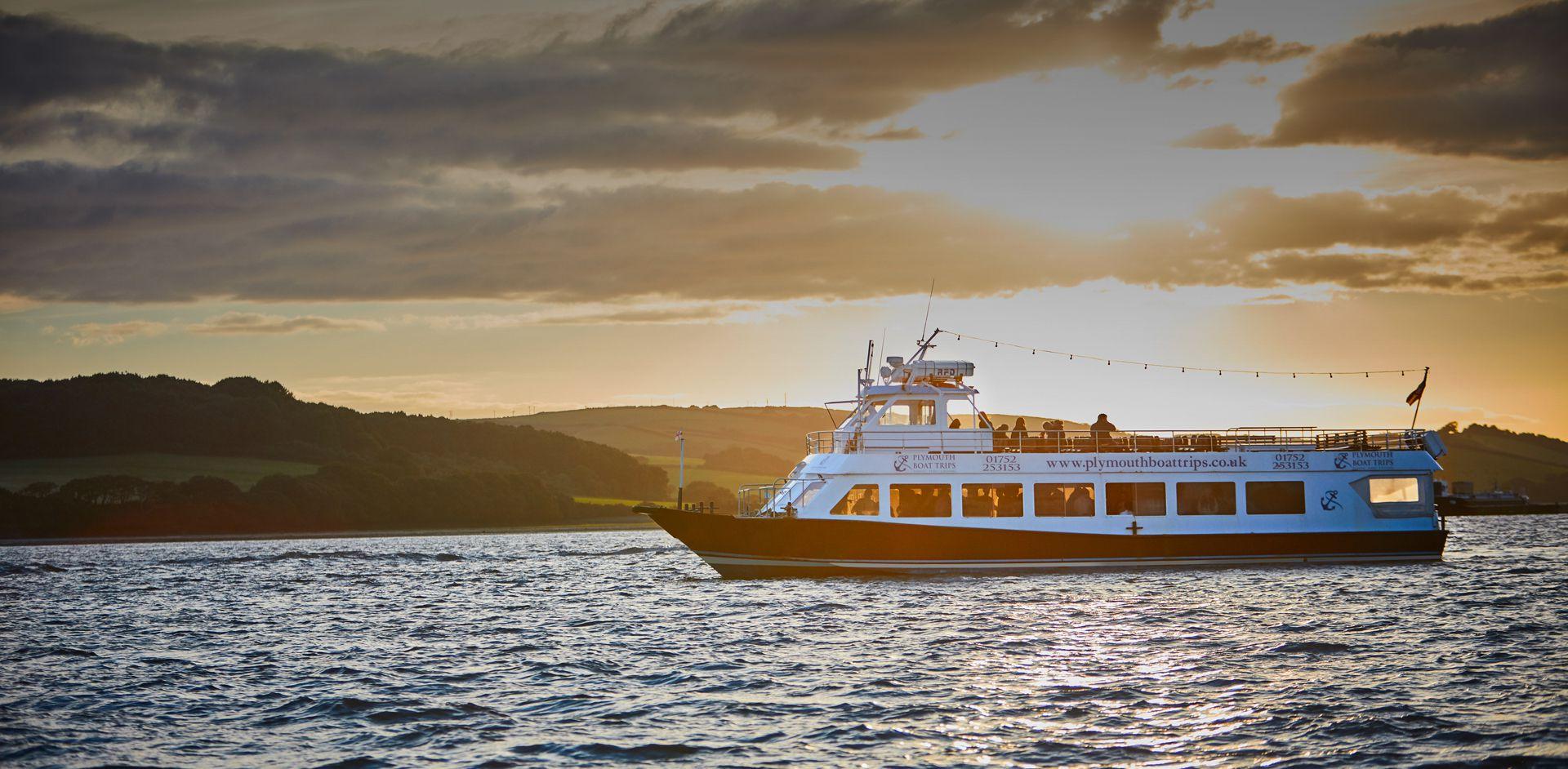 Sundowner Themed Cruise - Slide Four
