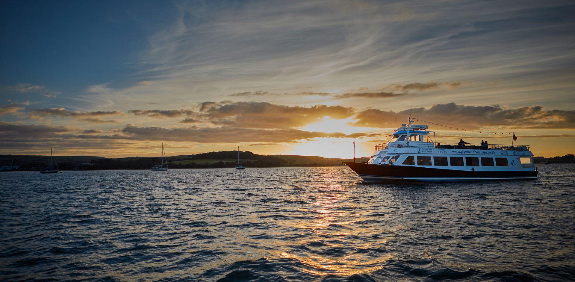 Sundowner Themed Cruise - Slide Two